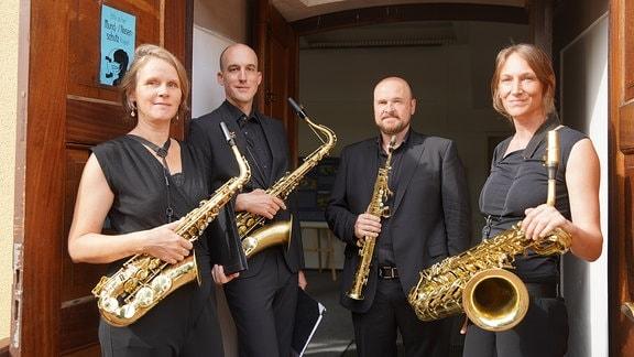 Das Saxophonquartett clair-obscur gehört seit vielen Jahren zu den renommiertesten Quartetten seiner Art, Auftritte in der Carnegie Hall, der Philharmonie Berlin, beim Luzern Festival und Schleswig-Holstein Musikfestival sprechen eine deutliche Sprache.