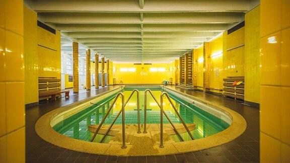 Das Schwimmbad im Diakonissen-Mutterhaus Elbingerode, direkt unter dem Kirchsaal gelegen.