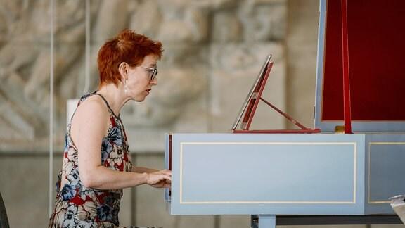 Die Cembalistin Irina Zahharenkova beim Konzert der MDR-Musiksommer Sonderausgabe am 26. Juli 2020 im Kultur- und Kongresszentrum Gera.