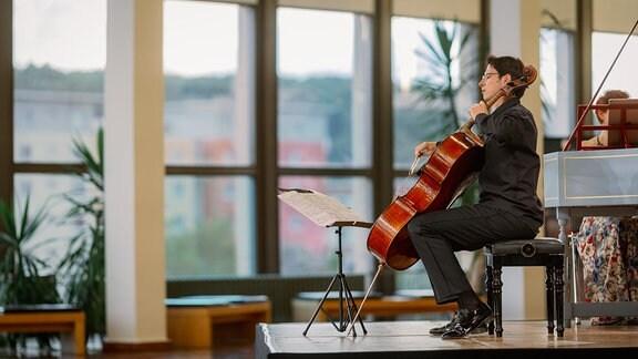 Der Cellist Daniel Müller-Schott spielt beim Konzert der MDR-Musiksommer Sonderausgabe am 26. Juli 2020 im Kultur- und Kongresszentrum Gera.