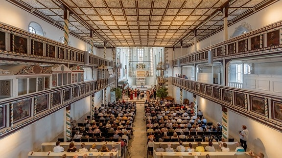 Blick in die Kulturkirche in Weißensee beim Konzert der Kammersymphonie Leipzig im MDR-Musiksommer.
