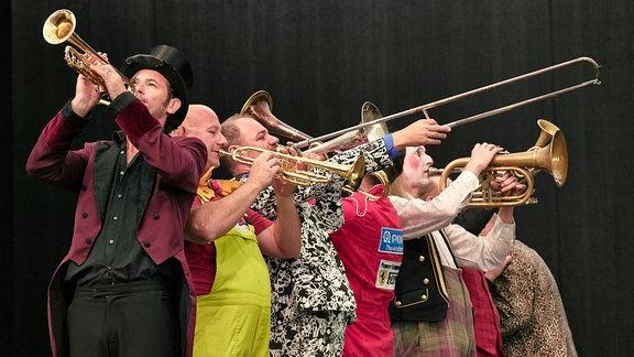 Das Blechblas-Ensemble Mnozil Brass im Naturtheater Bad Elster beim MDR MUSIKSOMMER.