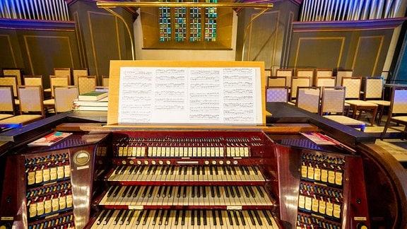 Orgelspieltisch in der Erfurter Augustinerkirche