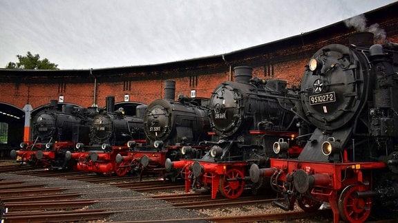 Alte Dampflokomotiven im Chemnitzer Eisenbahnmuseum