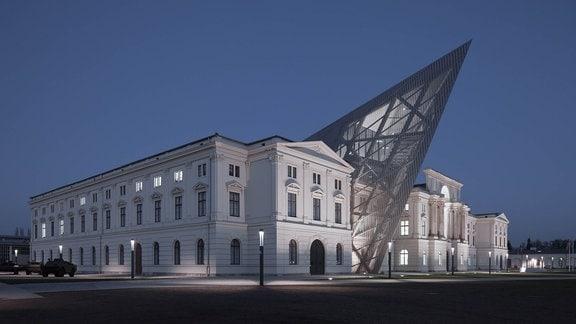 Außenansicht des Militärhistorischen Museums Dresden