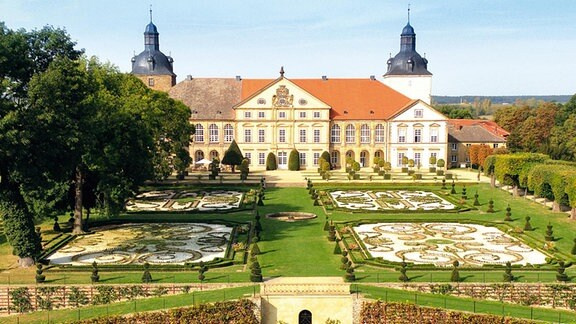 Schloss Hundisburg mit Schlosspark