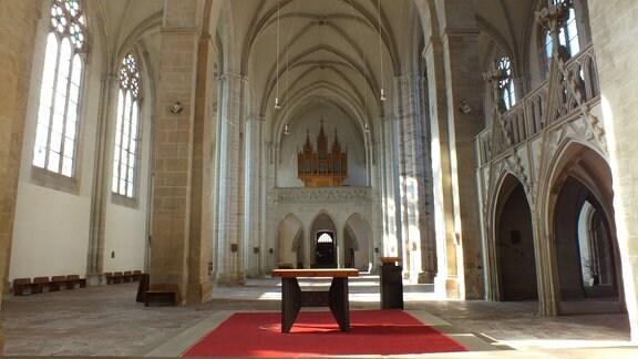 Innenansicht der Klosterkirche in Nienburg
