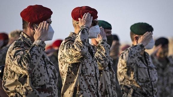 Soldaten im Camp Marmal in Masar-e Scharif