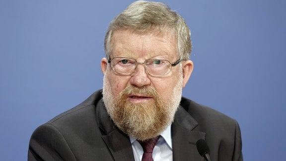 Adolf Bauer, 2016