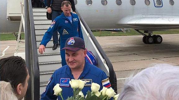 Roskosmos-Kosmonaut Alexej Owtschinin und Nasa-Astronaut Nick Hague nach Sojus-Notlandung