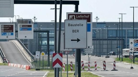 Der BER-Flughafen befindet sich seit dem Jahr 2006 im Bau.