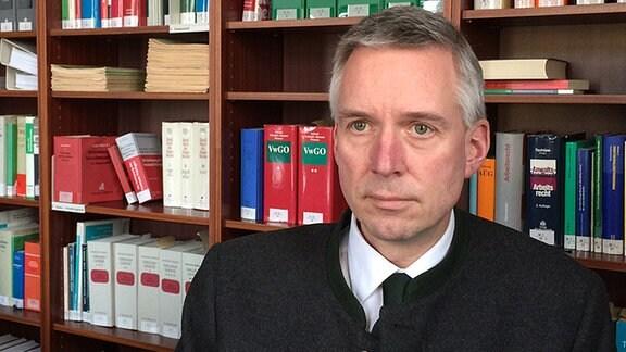 Prof. Dr. Jens-Ole Schröder