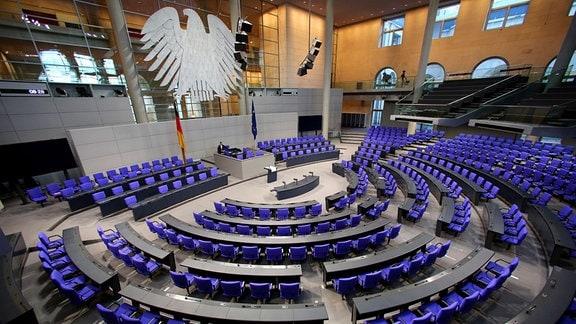 Der Plenarsaal des Deutschen Bundestages im Reichstagsgebäude in Berlin, am 20.10.2016 vor Beginn der 196. Sitzung.