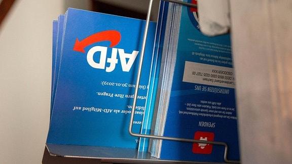Mehrere Flyer der AfD