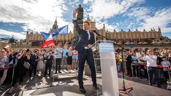 Rafal Trzaskowski im Wahlkampf unterwegs in Polen