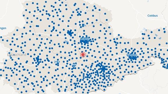 Eine Karte mit den drei mitteldeutschen Ländern mit vielen blauen Punkten.