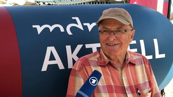 Günter Zimmermann auf dem MDR-AKTUELL-Sofa in Kamenz