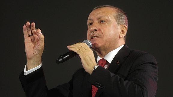 Recep Tayyip Erdogan spricht bei Gedenkveranstaltung