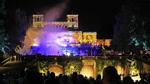 Lasershow bei der XXI. Potsdamer Schlössernacht 2019 im Schlosspark Sanssouci.