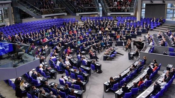 Berlin - 17/01/2019: Feierstunde im Deutschen Bundestag zu 100 Jahren Frauenwahlrecht.
