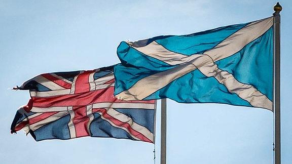 Flaggen von Großbritannien und Schottland