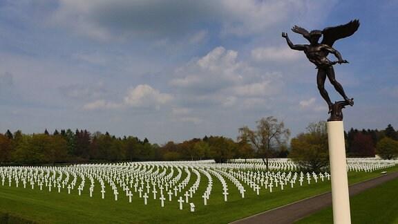 Amerikanischer Soldatenfriedhof mit Gedenkstätte in Henri-Chapelle.