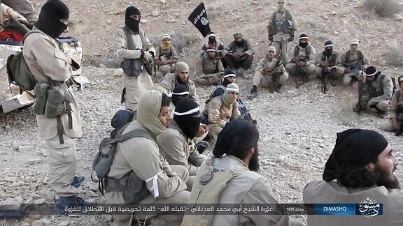 IS-Kämpfer in Syrien im Oktober 2017 ISIS