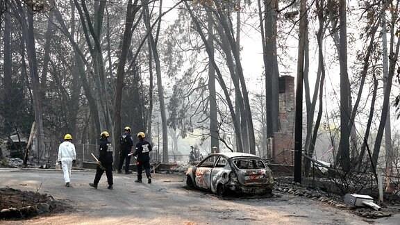 Rettungsarbeiten nach Waldbrand Camp Fire in Paradise Kalifornien
