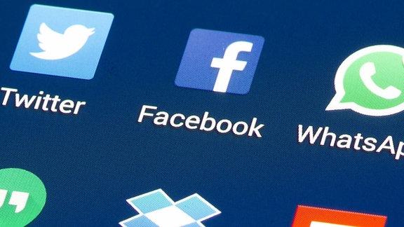 Apps von Soziale Netzwerken auf einem Handydisplay.