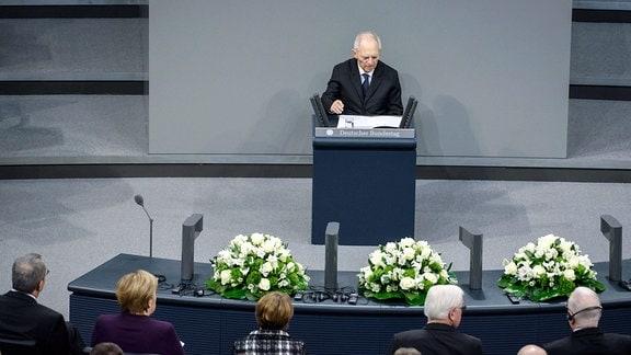 Bundestagspräsident Dr. Wolfgang Schäuble während der Gedenkveranstaltung für die Opfer des Nationalsozialismus im deutschen Bundestag.