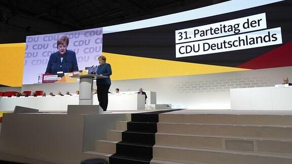 Angela Merkel bei ihrer Abschiedsrede als CDU-Vorsitzende in Hamburg
