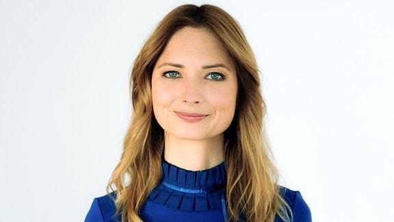 MDRfragt-Reporterin Claudia Reiser