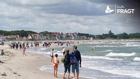 Strandszene in den Sommerferien 202 in Rostock-Warnemünde