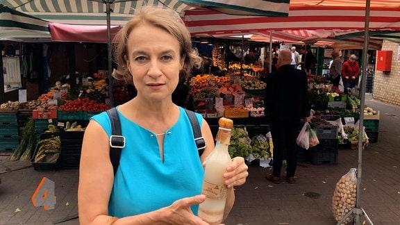 Ostbloggerin Monika Sieradzka auf dem Markt