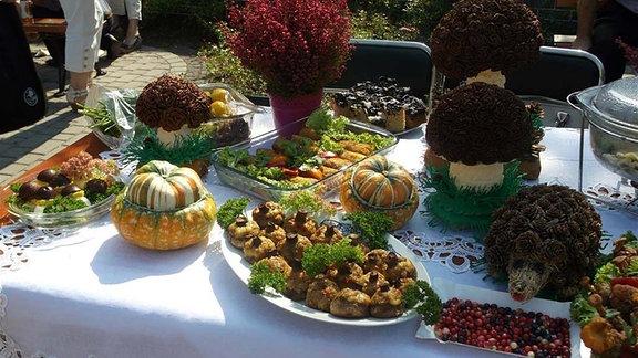 Pilze zubereitet in verschiedenen Speisen