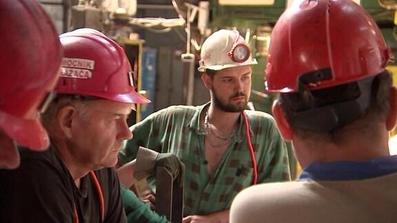 Die Kumpel des Kohlebergwerkes sehen dem Umbau ihrer Industrie mit gemischten Gefühlen entgegen.