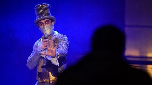 Magier auf der Bühne