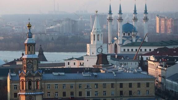 Kreml in Kasan und Fluss Kasanka