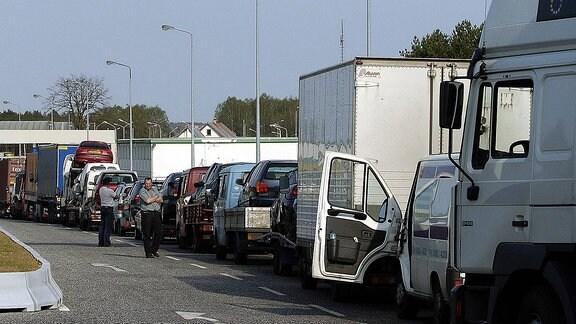 Lkw-Stau am deutsch-polnischen Grenzübergang Linken