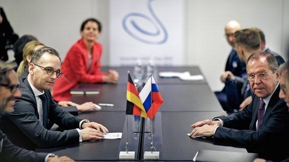 Bundesaußenminister Heiko Maas, SPD, trifft Sergej Wiktorowitsch Lawrow, Außenminister der Russischen Föderation, zu einem bilateralen Gespraech, am Raden der Feierlichkeiten des 70. Jahrestags des Europarats und des Ministerrates in Helsinki.