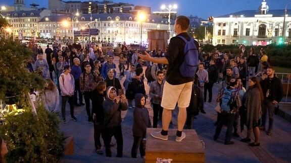 Kundgebung auf einem Platz