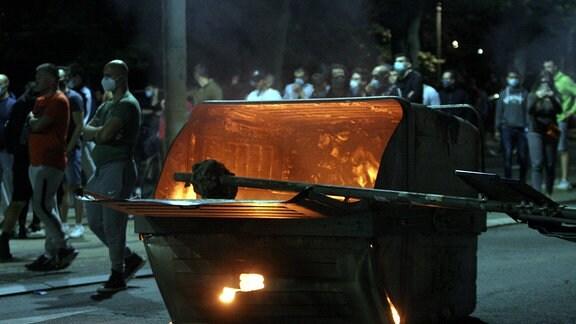 Straßenschlachten in Serbien