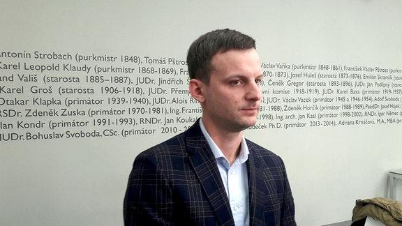 Der erster Nachtbürgermeister Prags, Jan Stern, bei seiner Vorstellung