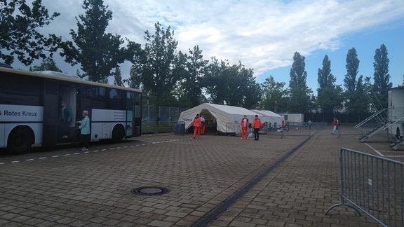 Ein mobiles Impfzentrum in Sachsen.