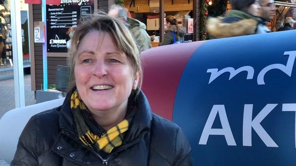 Annekatrin Wagner auf dem MDR-Aktuell-Sofa in Halle