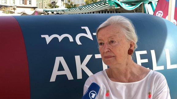 Helga Schönherr, Goldschmiedin, 75 Jahre
