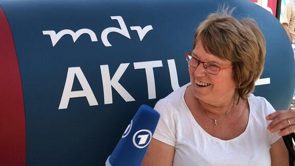Maritta Lehmann auf dem MDR-AKTUELL-Sofa in Kamenz