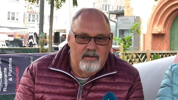Wolfgang Ehrenberg auf dem MDR-AKTUELL-Sofa in Sömmerda