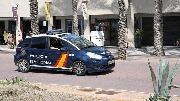 Ein spanisches Polizeifahrzeug