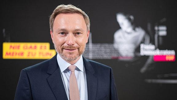 Christian Lindner, Bundesvorsitzender der FDP, stellt bei einer Pressekonferenz in der FDP-Parteizentrale die Kampagne der Freien Demokraten zur Bundestagswahl 2021 vor.